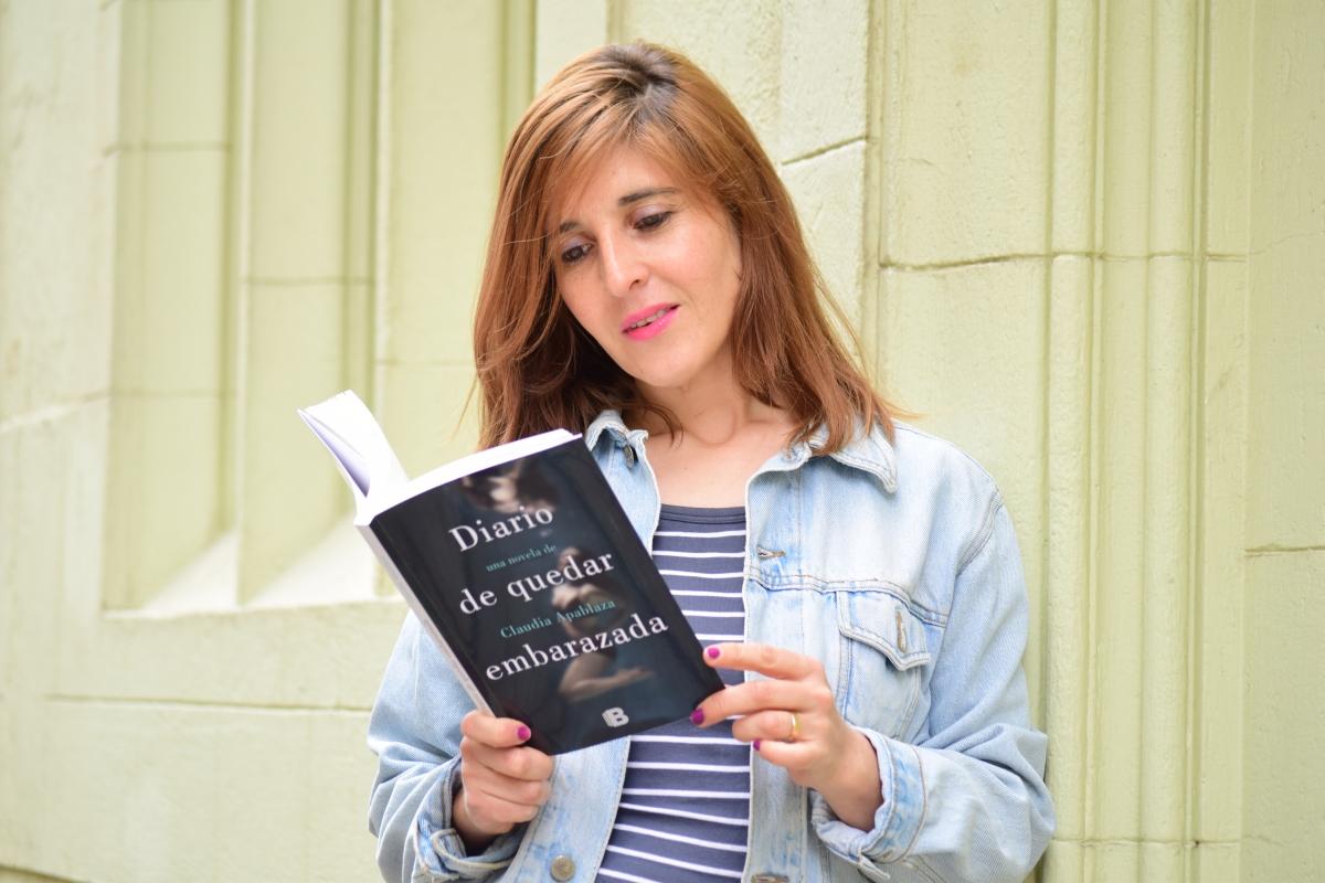 """Claudia Apablaza: """"La presión social no mueve exactamente el deseo de ser madre"""""""