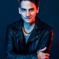 Vocalista de la banda mexicana Kinky se presentará este viernes con Dj Set