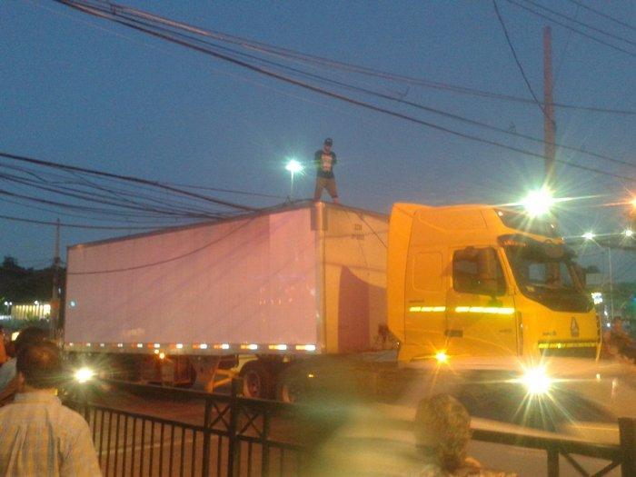 Camión Plaza Maipú.jpg