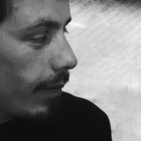 """Rodolfo Hlousek, poeta de la Araucanía: """"La poesía debería ser una síntesis de los actores sociales para dar un sentido del buen vivir"""""""